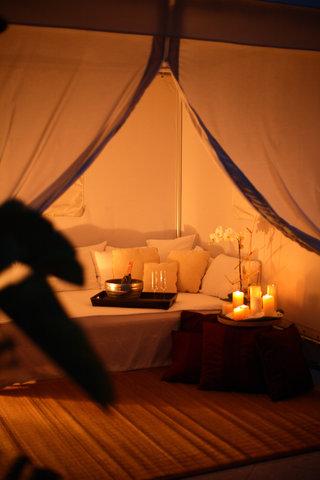 Hyatt Regency Pier Sixty-Six - Pool cabana interior  evening  Wiseman 09 07