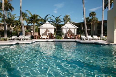 Hyatt Regency Pier Sixty-Six - Pool  private cabanas  S  Wiseman  9 07