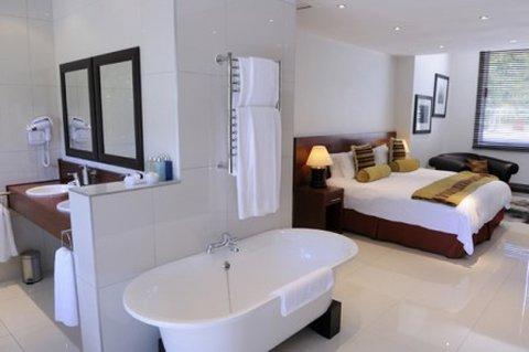 Camps Bay Retreat & Spa Hotel - Room