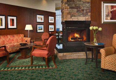 Courtyard Gaithersburg Washingtonian Center - Fireplace
