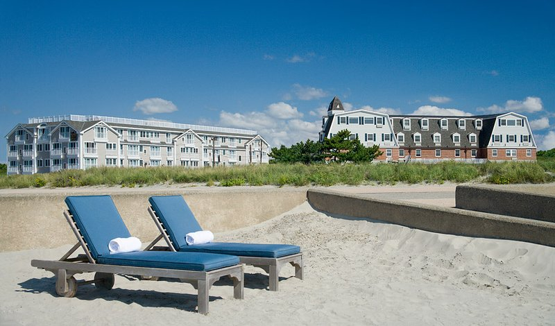 Newport Beach Hotel & Suites - Middletown, RI