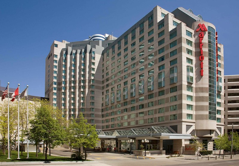 Toronto Marriott Downtown Eaton Centre Вид снаружи
