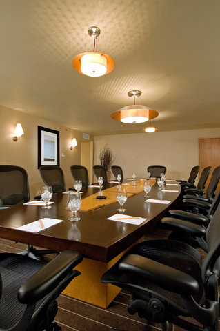 DoubleTree by Hilton Chicago - Arlington Heights - Executive Boardroom