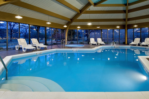 DoubleTree by Hilton Chicago - Arlington Heights - Indoor Pool and whirlpool