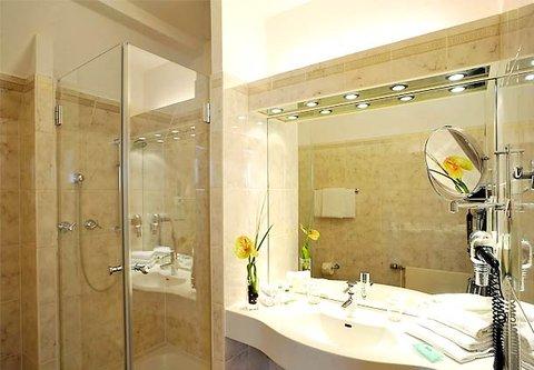 漢堡機場萬豪庭院酒店 - Guest Bathroom