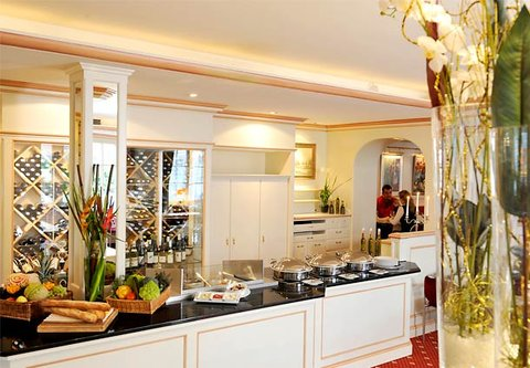 漢堡機場萬豪庭院酒店 - Restaurant Show Kitchen