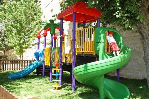 Grand Hotel Kadri   Zahle - Playground