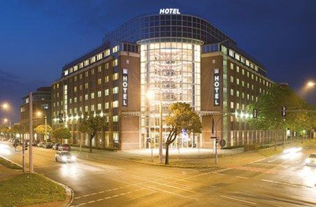 NH Dresden Neustadt Set udefra