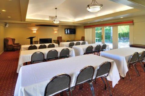 University Park Inn & Suites - Meeting Room