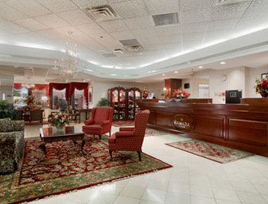 Ramada Plaza Hotel Hagerstown - Lobby
