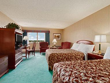 Ramada Plaza Hotel Hagerstown - Suite