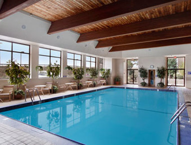 Ramada Plaza Hotel Hagerstown - Pool