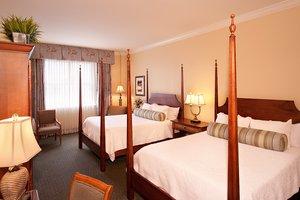 Room - Harbour View Inn Charleston
