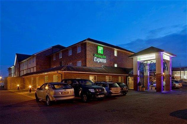 Holiday Inn Express Lichfield Vista esterna