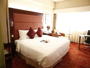 Ramada Plaza Dalian - Guest Room