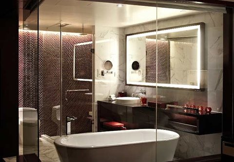 Renaissance Beijing Capital Hotel - Deluxe Room Bath