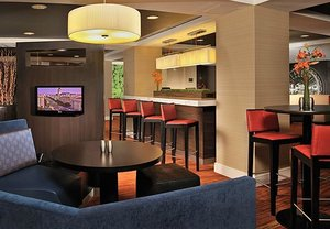 Bar - Courtyard by Marriott Convention Center Hotel DC
