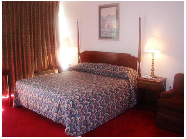 Red Carpet Inn Jesup View of room
