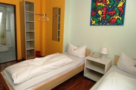 Meininger Koln City Center Hotel - GUEST ROOM