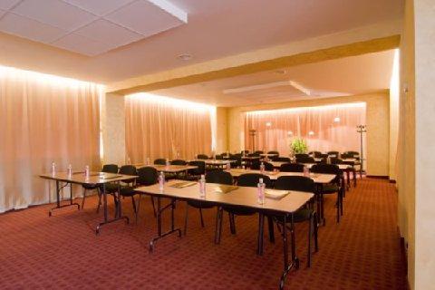 Jolly Fun Hotel - Meeting Room