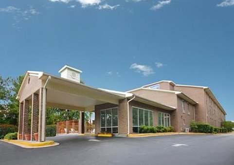 Econo Lodge Inn &amp; Suites