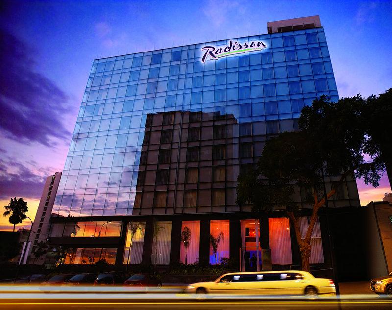 Radisson Hotel Decapolis Miraflores Вид снаружи