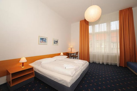 Europa City Berlin - Triple Room