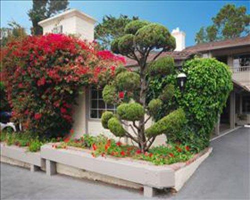 Carmel Village Inn - Carmel, CA