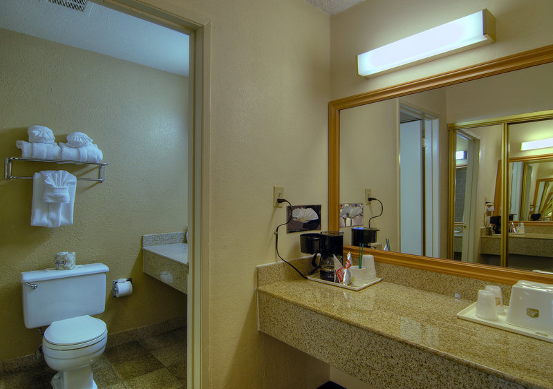 Best Western-Crystal Palace - Bakersfield, CA