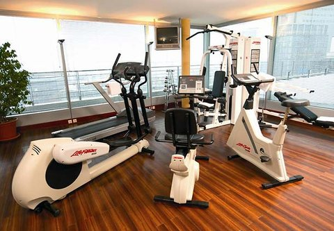 كورتيارد باي ماريوت دوسلدورف هافن - Fitness Center