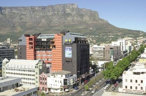 Cape Town Lodge - Exterior