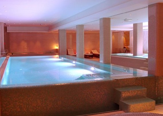 Quality Hotel Strand Gjovik Zwembadaanzicht