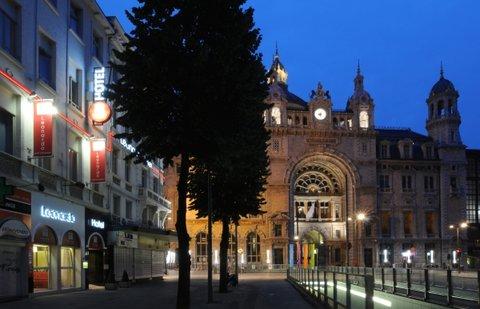 Leonardo Hotel Antwerpen - Leo Antwerp Exterior