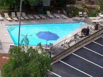 Travelodge Inn & Suites Gatlinburg - FIAGatlinburg Outdoor Pool