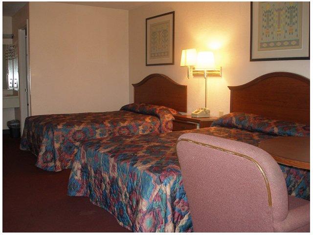 Red Carpet Inn - Augusta, GA