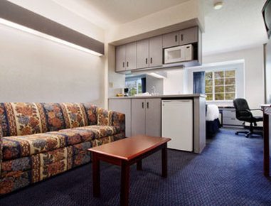 Microtel Inn And Suites Hagerstown - Suite