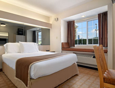 Microtel Inn & Suites by Wyndham Nashville - Standard Queen Bed Room