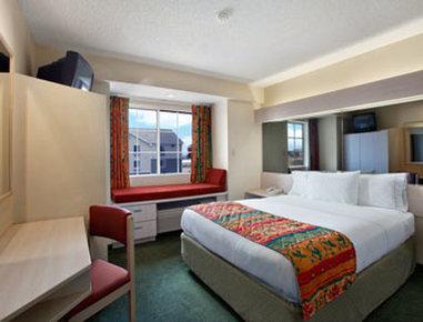 Microtel Inn & Suites by Wyndham El Paso East - Standard Queen Bed Room