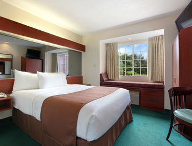 Microtel Inn & Suites by Wyndham Columbia/Harbison Area - Standard Queen Bed Room