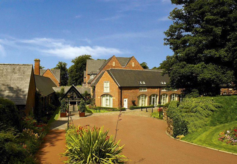 Worsley Park Marriott Hotel and Country Club Vista exterior