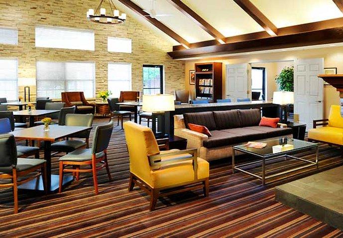 Residence Inn by Marriott Addison Muuta