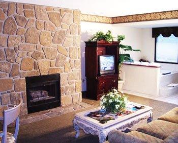 Travelodge Inn & Suites Gatlinburg - FIAGatlinburg Presidential Fireplace  Whirlpool