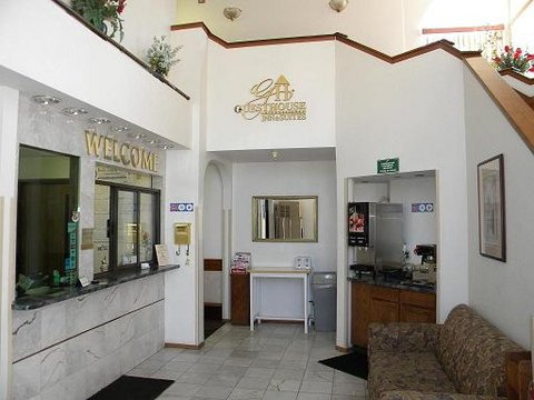 Guesthouse International - Albuquerque Hotel - Lobby