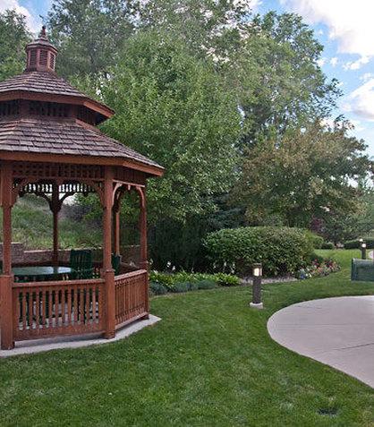 Courtyard Colorado Springs South - Outdoor Path