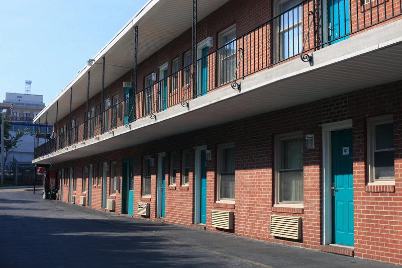Americas Best Value Inn - Towson, MD