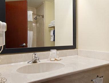 Baymont Inn & Suites - Carthage, TX