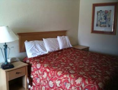 Knights Inn Baton Rouge - Guest Room