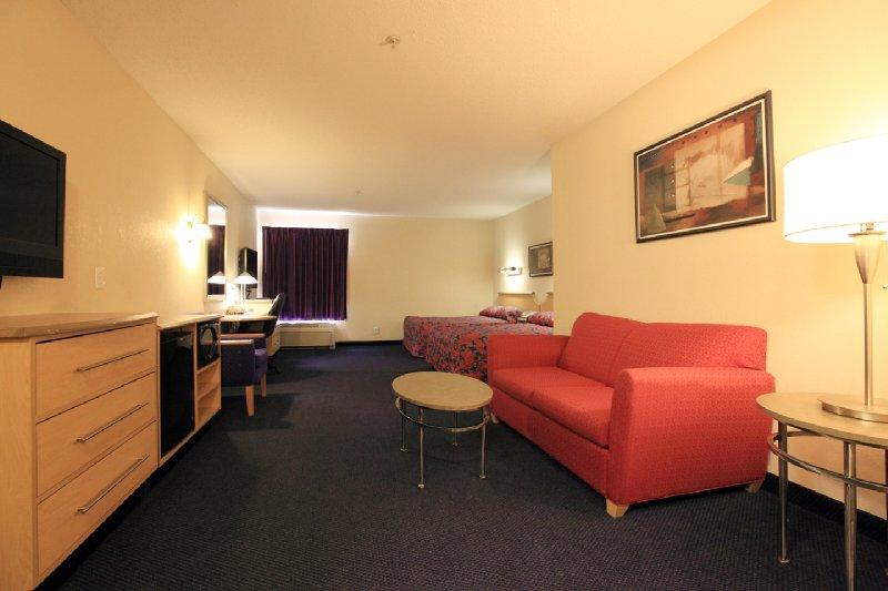 Bellmawr Red Roof Inn & Suites - Bellmawr, NJ