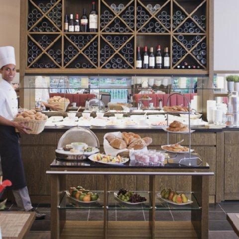 Moevenpick Hotel Essen - Buffet breakfast