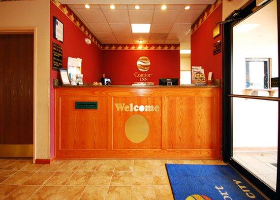 Comfort Inn-I-70 Near Ks Spdwy - Kansas City, KS